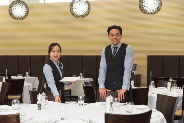 ICHM Students in restaurant