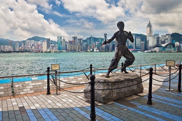 5815203800px_avenue_of_stars_hong_kong_bruce_lee_statue
