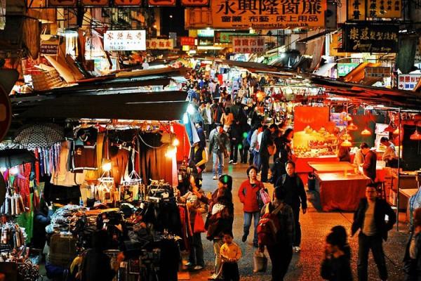 cho-dem-Temple-Street