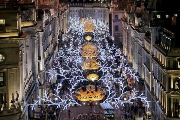 christmas-light-installation-1